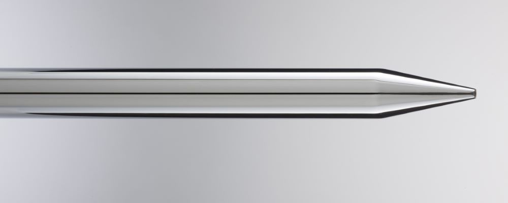 Stainless steel tube at a high esthetic level for any kind of lamps